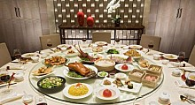 China Focus: Foreign foods spend less time travelling to Chinese dinner tables
